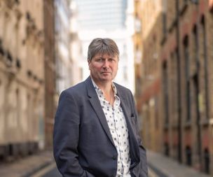 'A dangerous first step' Simon Armitage among poets to blast GCSE deci