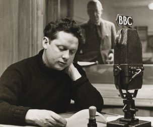 Dylan Thomas - 'lost' fifth notebook reveals how the great Welsh poet