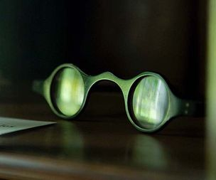 William Wordsworth's glasses and the lifelong struggle with his eyesig